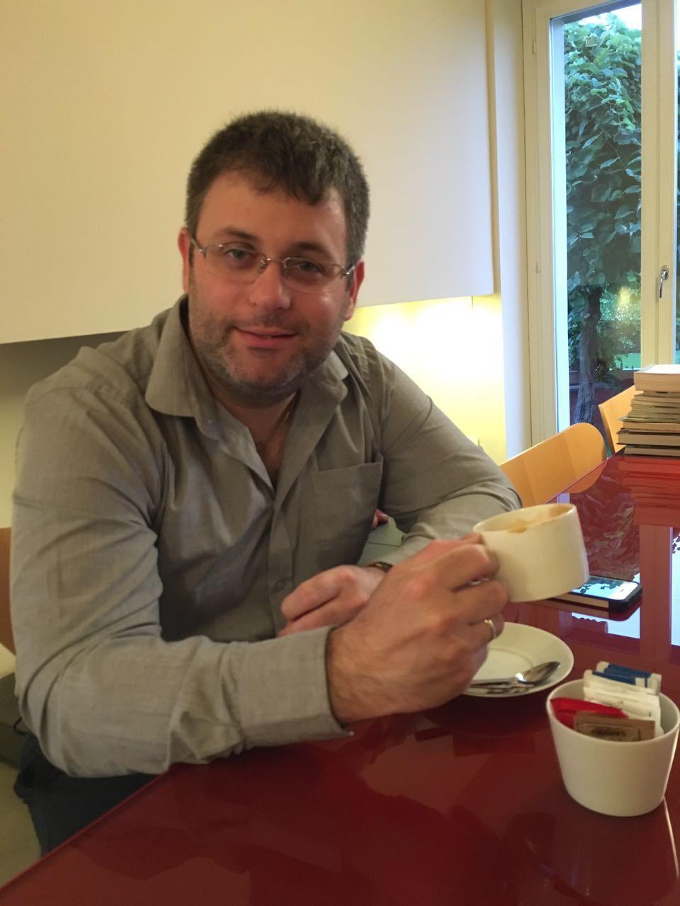 """ד""""ר אבישי זפרן מומחה ברפואה פיזיקלית ושיקום, מומחה בכירורגיה אורתופדית"""