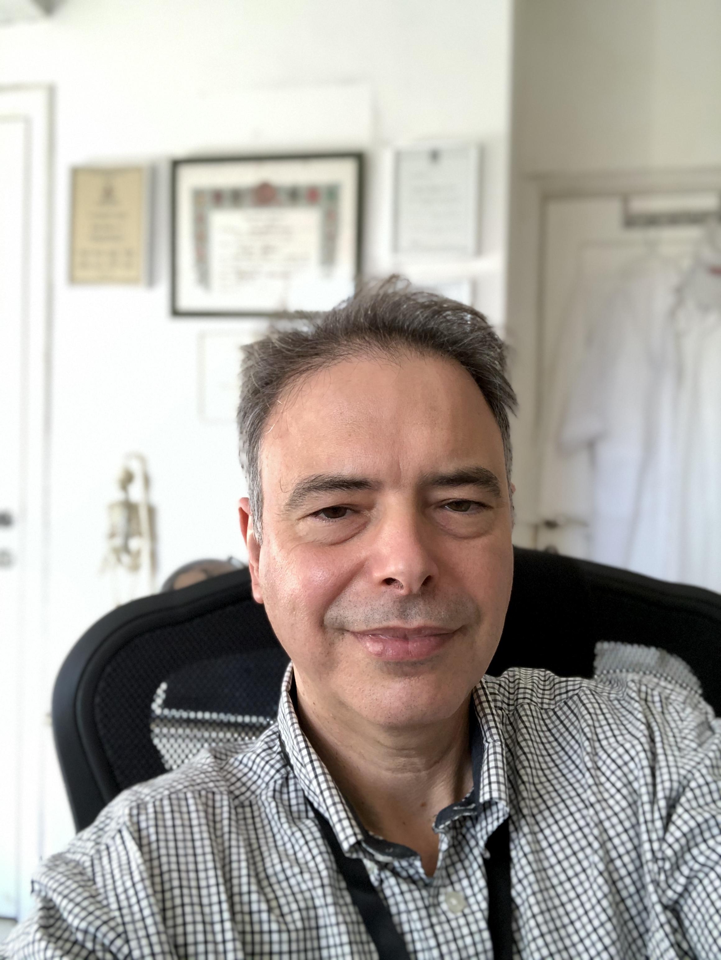 """ד""""ר אלון קובו מומחה בכירורגיה של היד, מומחה בכירורגיה אורתופדית"""