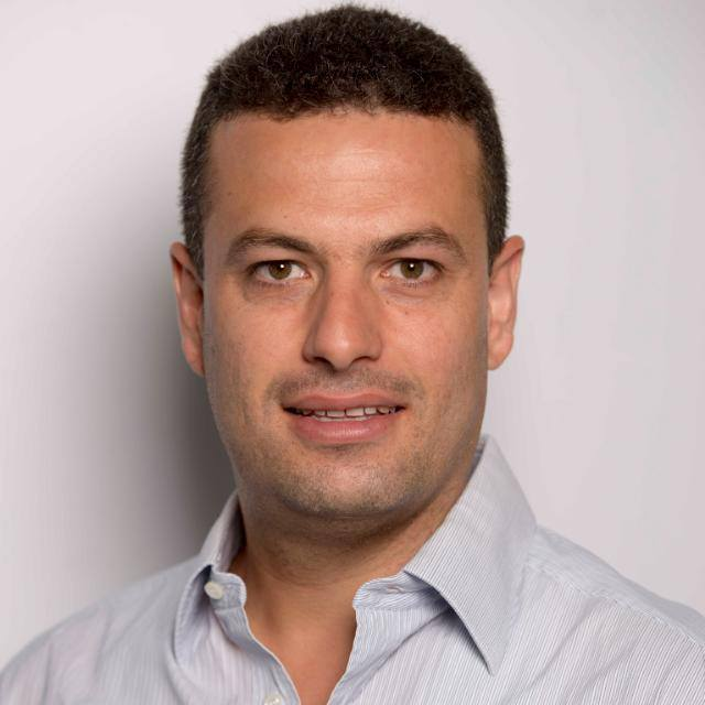 """ד""""ר אחמד מנסור מומחה במחלות עיניים"""