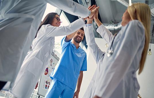 צעד ראשון והיסטורי בדרך למהפכה בשעות העבודה של הרופאים והרופאות