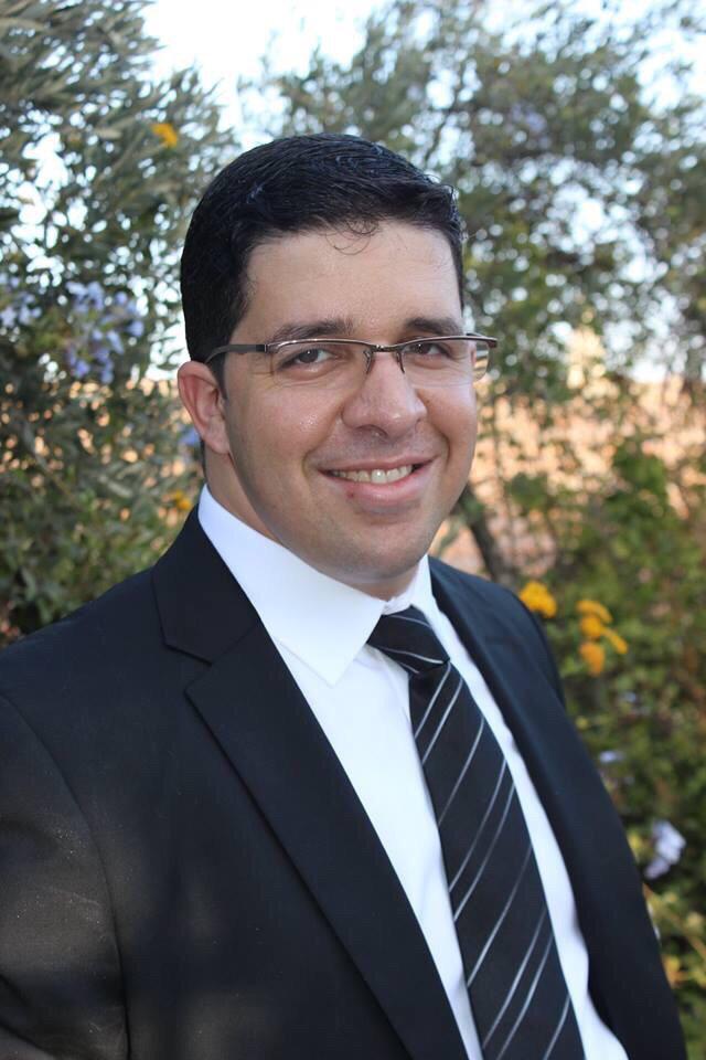 """ד""""ר אחמד אבו-טיר מומחה בכירורגית כלי-דם"""