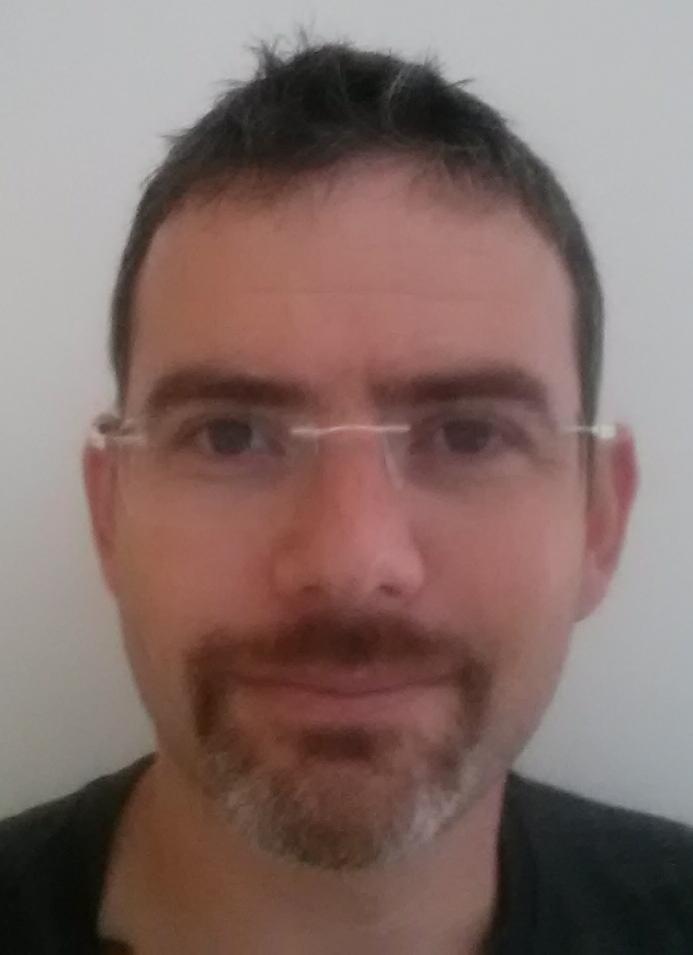 """ד""""ר יורם פייטלסון מומחה באימונולוגיה ואלרגולוגיה, מומחה ברפואת ילדים"""
